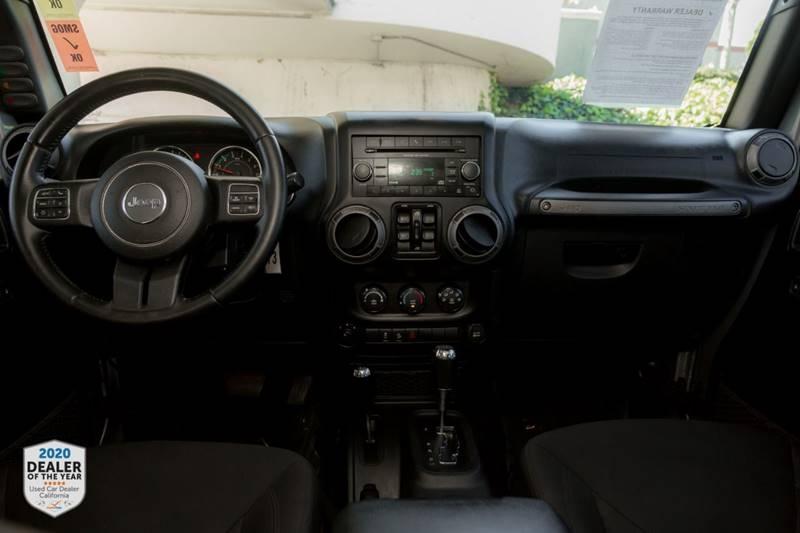 Jeep Wrangler Unlimited 2016 price $27,900