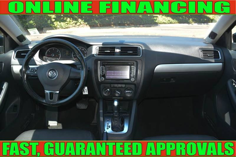 Volkswagen Jetta 2012 price $10,700