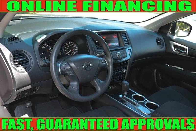Nissan Pathfinder 2015 price $13,900