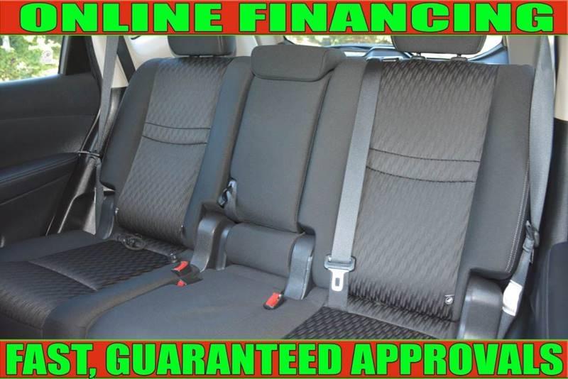 Nissan Rogue 2018 price $16,498