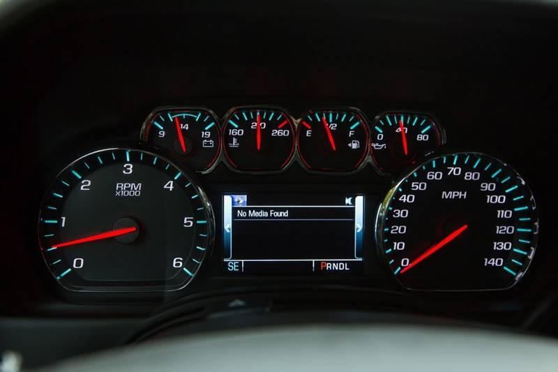 Chevrolet Suburban 2019 price $36,990