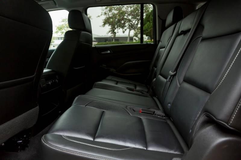 Chevrolet Suburban 2019 price $37,498