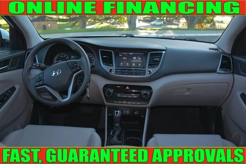 Hyundai Tucson 2018 price $15,990