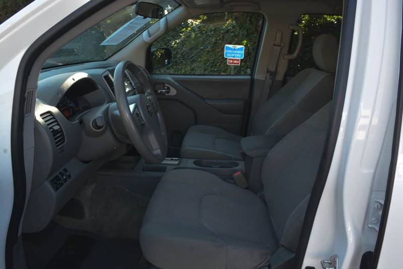 Nissan Frontier 2018 price $19,700