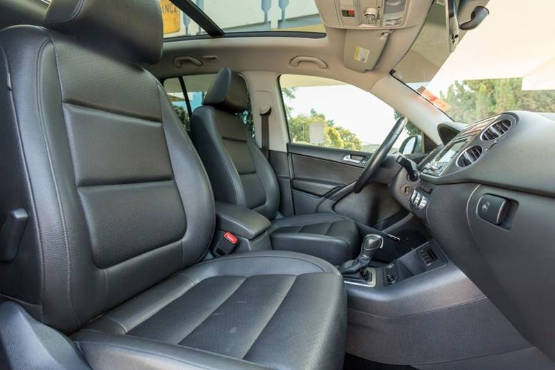 Volkswagen Tiguan 2015 price $14,900