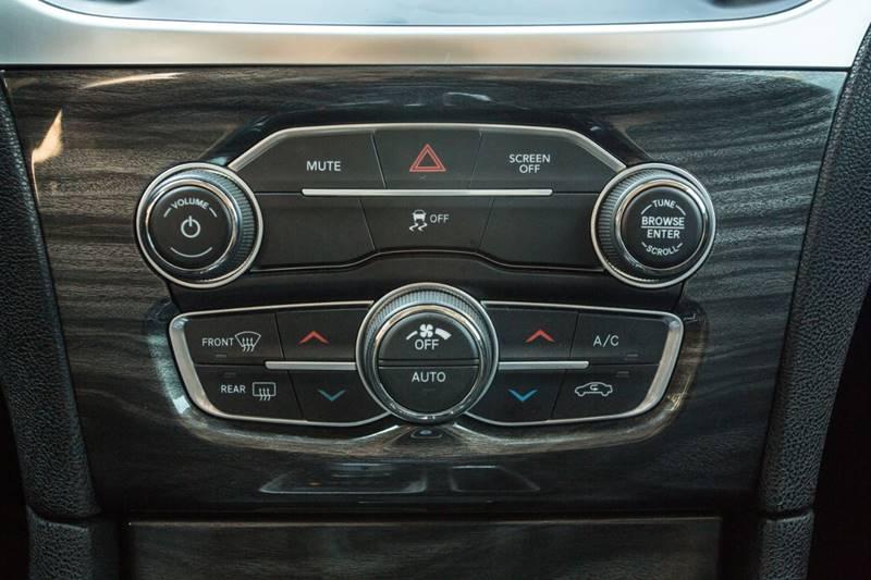 Chrysler 300 2018 price $19,990