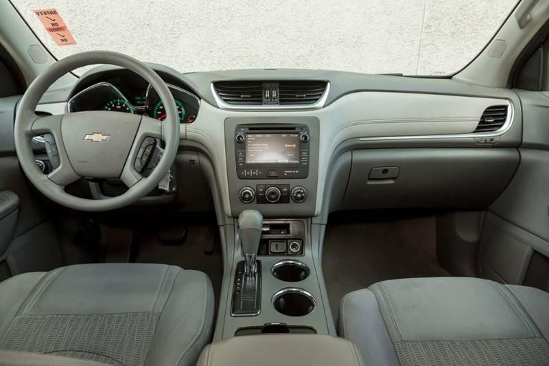 Chevrolet Traverse 2016 price $14,990