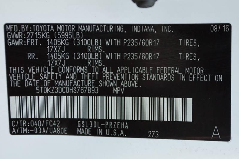 Toyota Sienna 2017 price $22,800