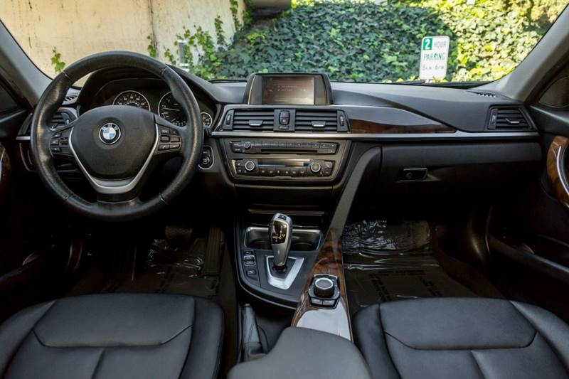 BMW 3 Series 2015 price $16,990