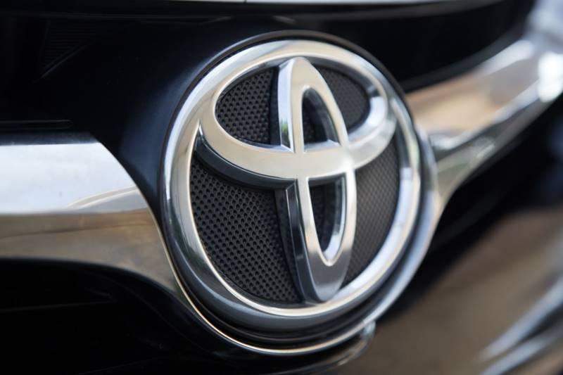 Toyota Camry 2015 price $11,990