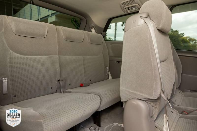Toyota Sienna 2007 price $7,990