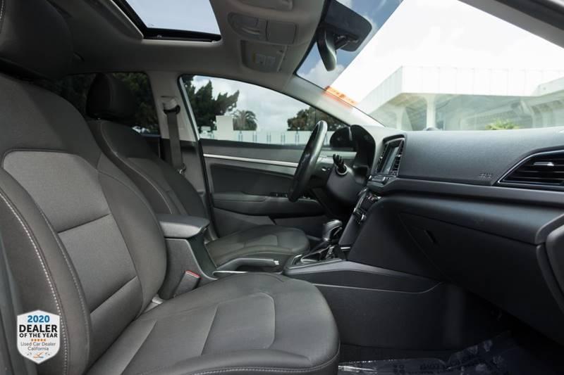 Hyundai Elantra 2018 price $14,990