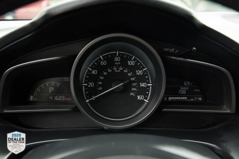 Mazda MAZDA3 2017 price $14,500