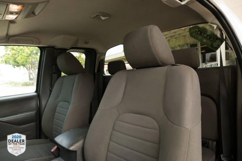 Nissan Frontier 2018 price $16,990