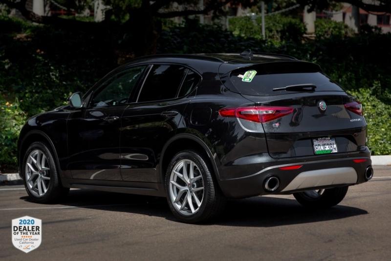 Alfa Romeo Stelvio 2018 price $28,990