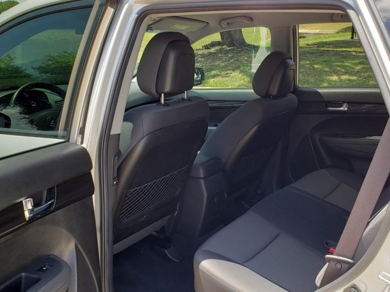 Kia Sorento 2013 price $9,488