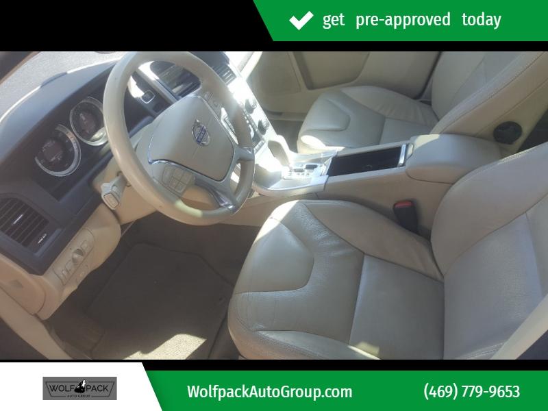 Volvo XC60 2011 price $7,000